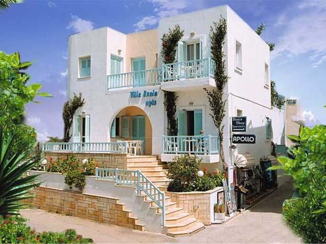 Renia Apartments: main entrance
