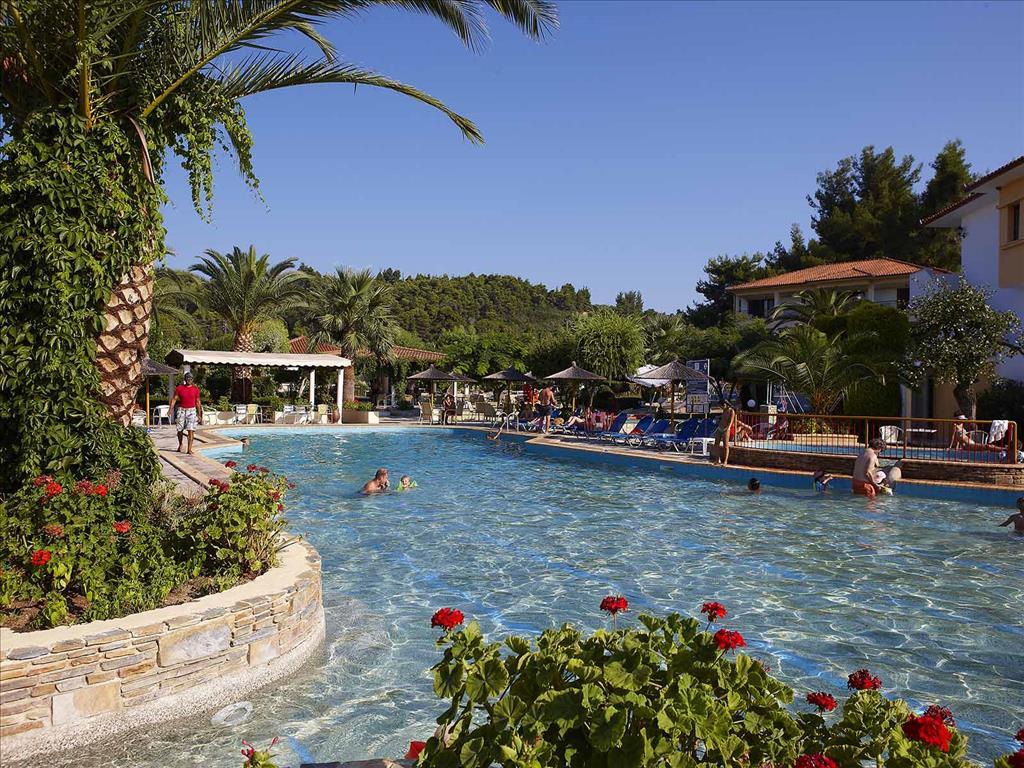 Bomo Chrousso Village Hotel: Main Pool