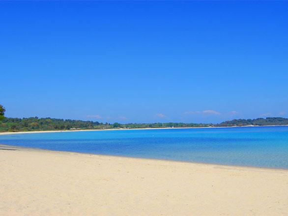 Bomo Chrousso Village Hotel: Beach view