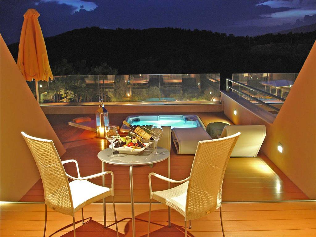 Royal Paradise Beach Resort & Spa: Deluxe Room Veranda