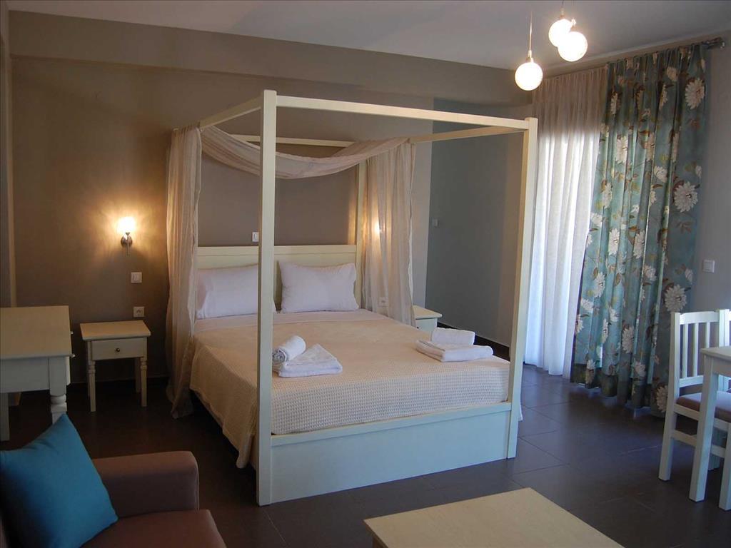 Ntinas Filoxenia Hotel & Spa: Deluxe Room (sample)