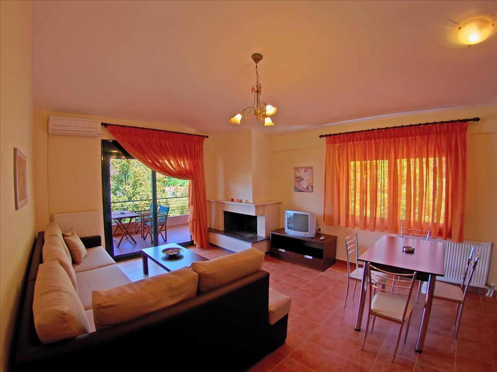 Ntinas Filoxenia Hotel & Spa: Apartment 2-Broom Executive