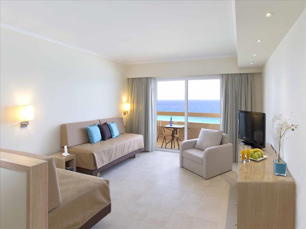 Sun Beach Resort Complex: Deluxe Suite SV