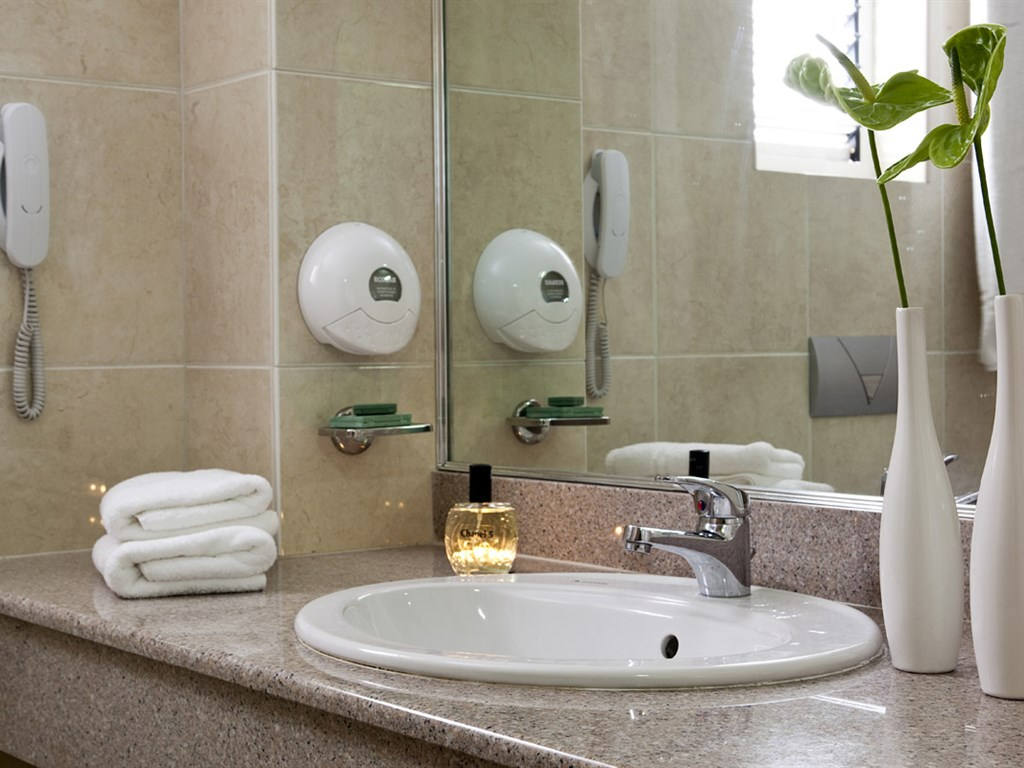 Smartline Cosmopolitan Hotel : Bathroom