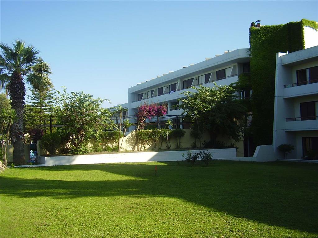 Kalithea Sun & Sky Hotel : Garden