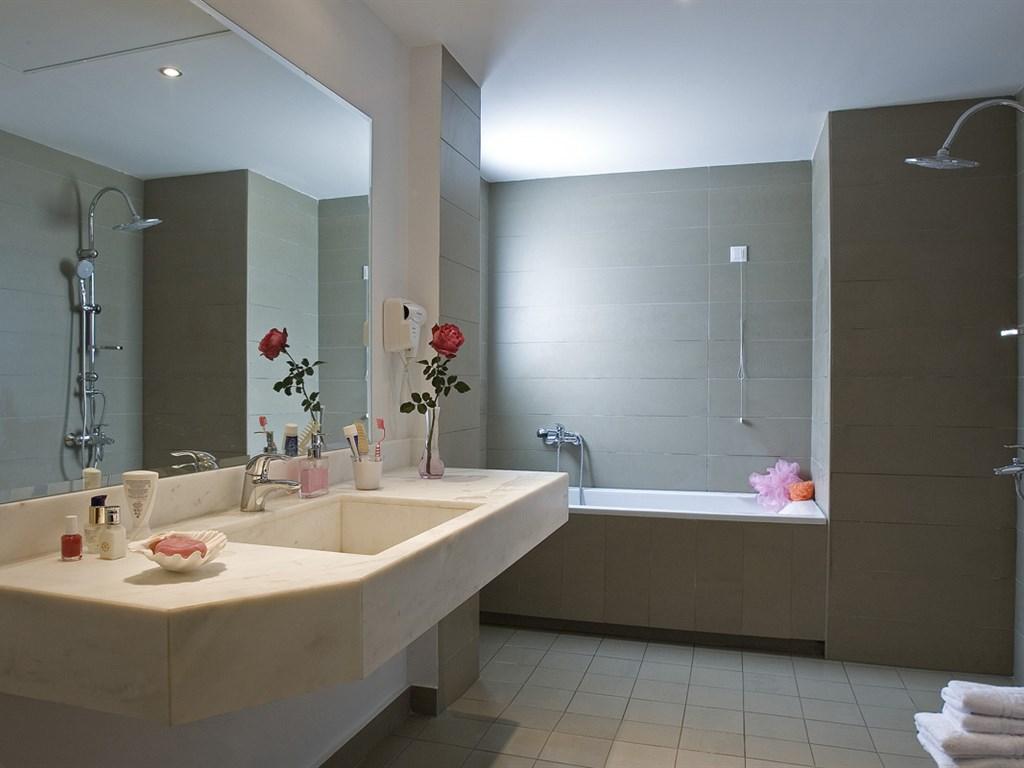 Mare Dei Suites Hotel Ionian Resort: Suite - bathroom