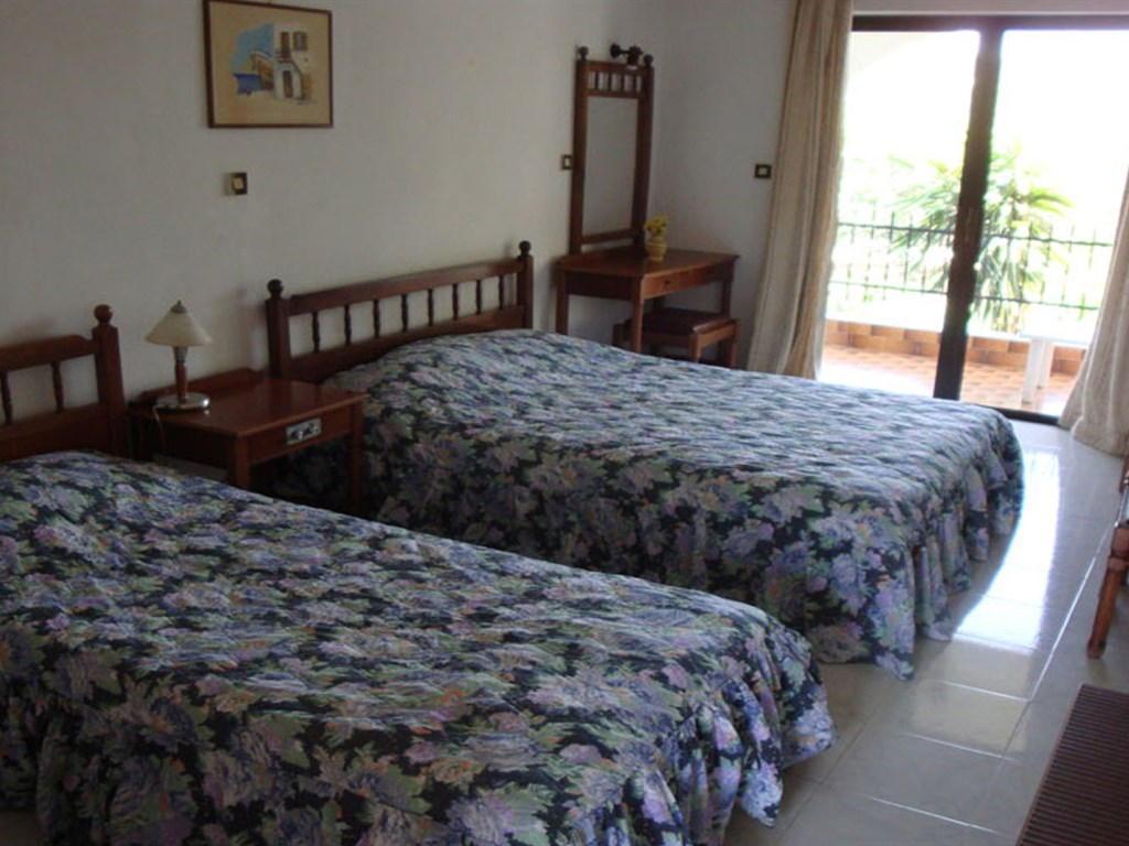 Oasis Hotel-Bungalows: Family Room