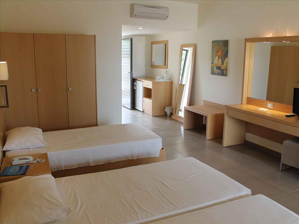 Island Blue Hotel: Apartment