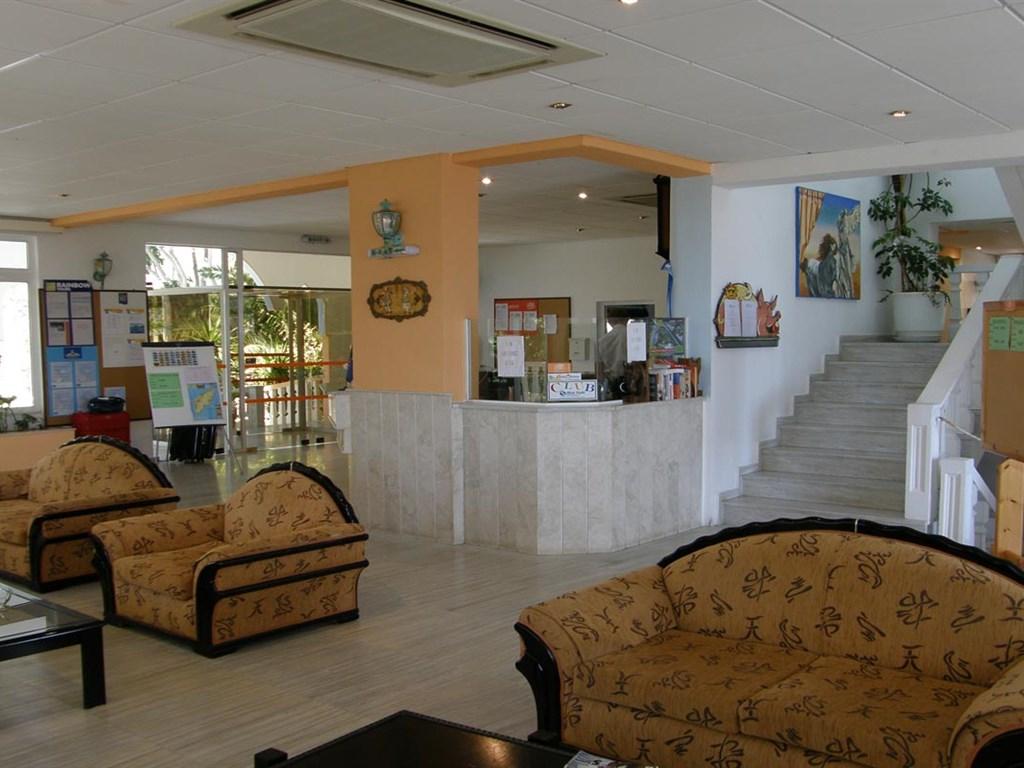 Pefkos Garden Hotel: Lobby