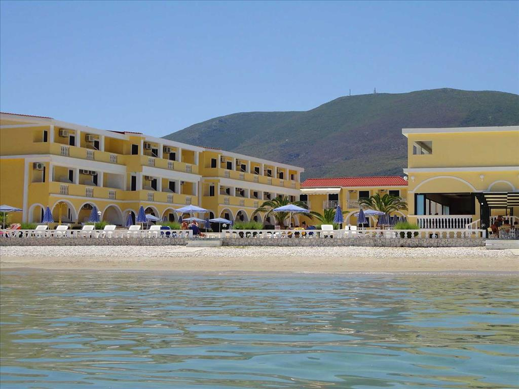 Konstantin Beach Hotel: Beach Area