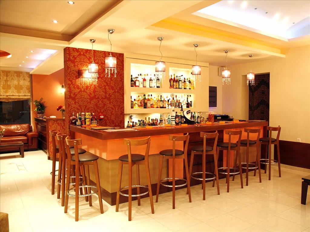 Dinos Hotel: Bar