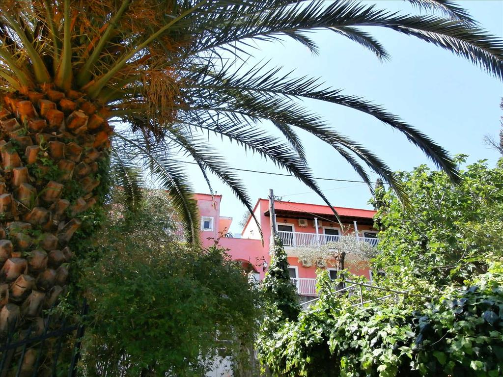 Evi-Ariti Apartments