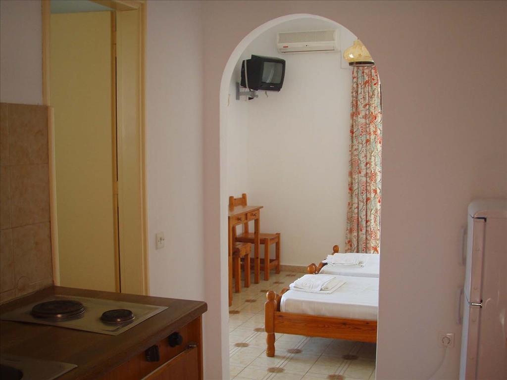 Evi-Ariti Apartments: Apartment