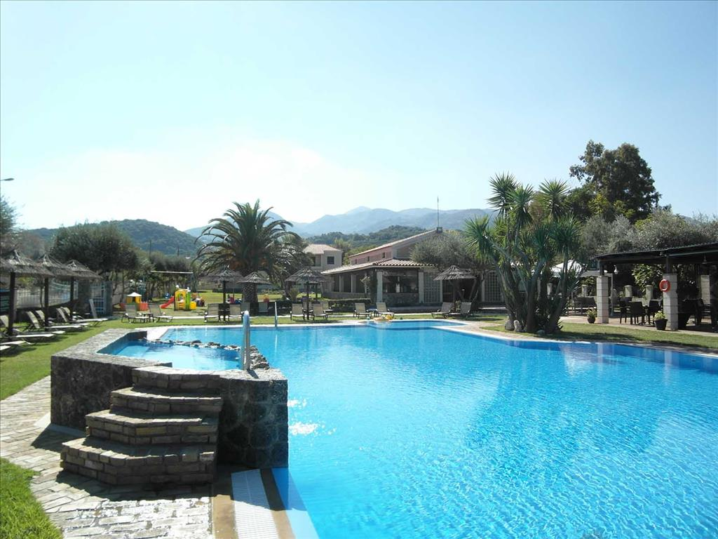 Almiros Apartments: Pool в 250 м