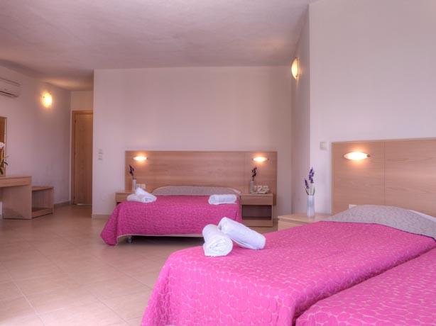 Lomeniz Blue Hotel: Family Room SV