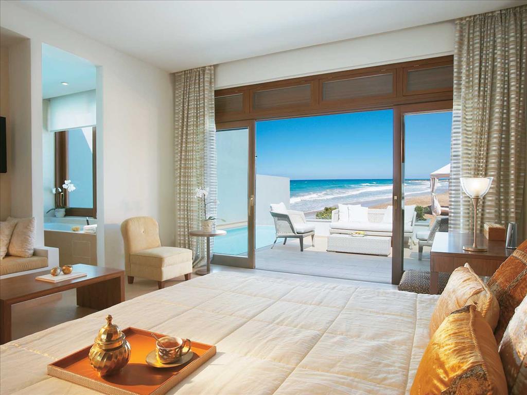 Amirandes Grecotel Exclusive Resort: Beach Villa Sea View Master Bedroom & Bathroom