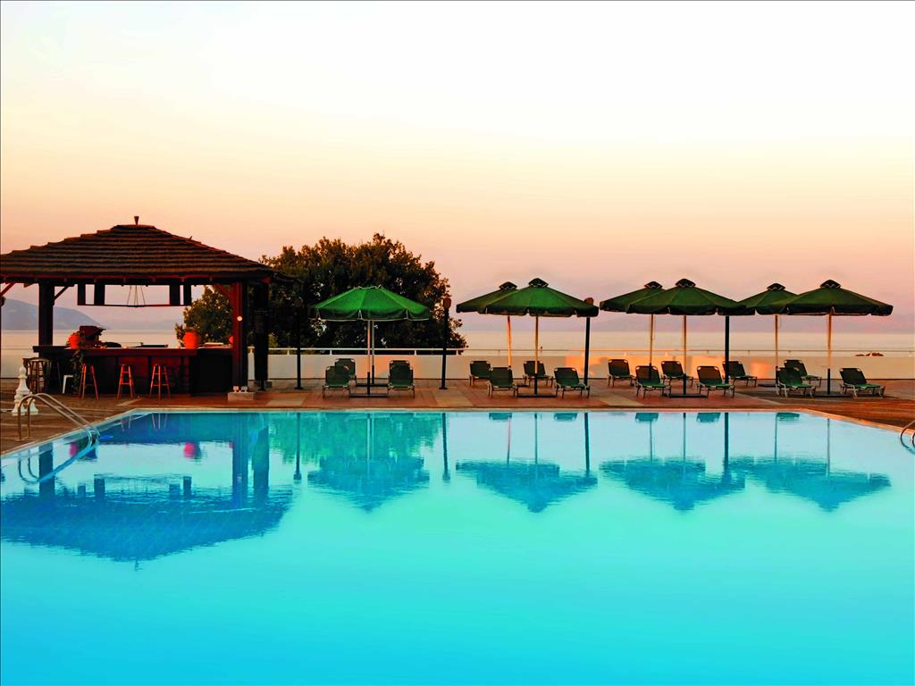 Corfu Dassia Chandris & Spa Hotel: Pool