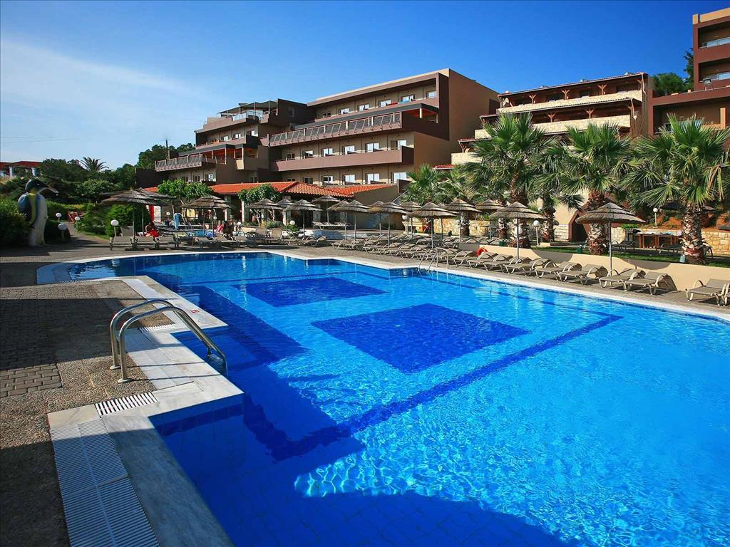Blue Bay Resort : Main Room Area