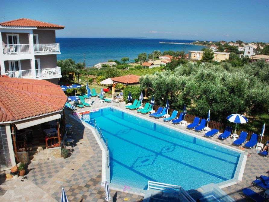 Amoudi Hotel Apartments: Pool