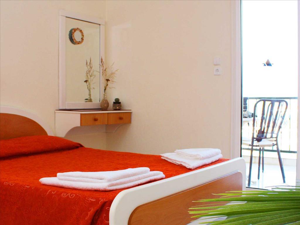 Aristoteles Beach Hotel : Standard room
