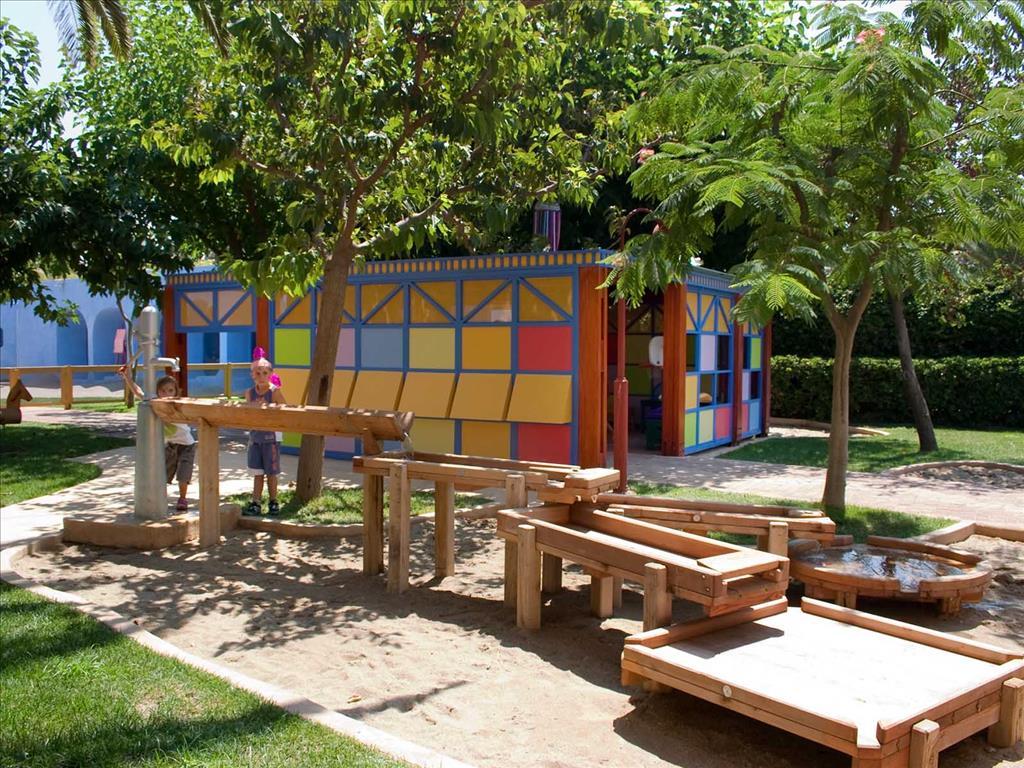 Aquila Rithymna Beach Hotel: Mini club playground