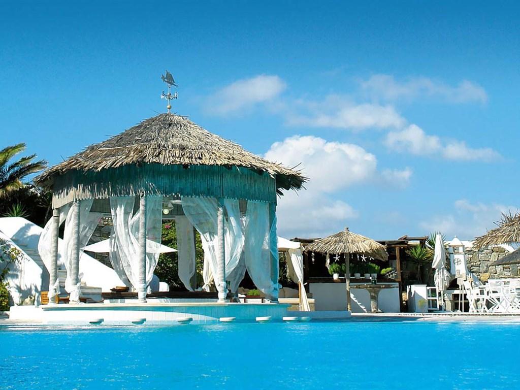 Kivotos Hotel