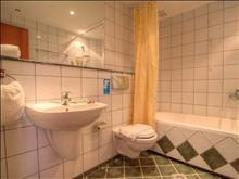 Krini Beach: Bathroom