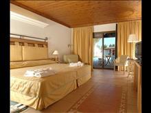 Aldemar Royal Olympian Luxury Resort & Spa: Main Building Sea View