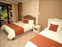 Alia Palace Hotel: Room