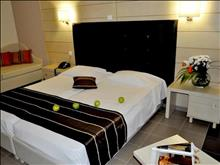 Blue Dream Palace Tripiti Resort: Superior Room