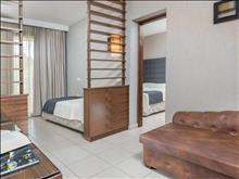 Atrium Hotel: Family Room