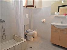 Aeria Hotel: Bathroom