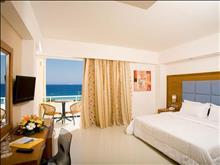 Sunshine Rhodes Hotel: Family Room Bedroom