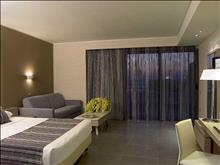 Olympic Palace Hotel: Family Room