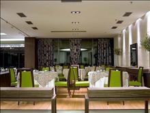 Olympic Palace Hotel: Main Restaurant