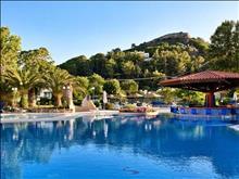 Olympic Palace Hotel: Pool Bar