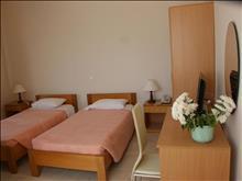 International Hotel: Standard Room