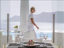 Kirini Suites & Spa Hotel
