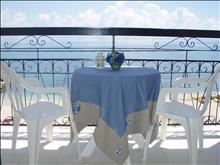 Loutrouvia Hotel: Balcony