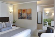 Ikaros Beach Resort & Spa: Family Room GV