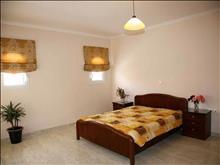 Dinos Hotel: Family Room min 4pax
