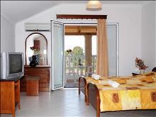 Dinos Hotel: Double Room