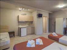 Afrodite Beach Hotel: Premium Quadruple