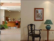 Saint Nicholas Hotel: Reception