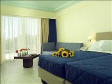 Mareblue Apostolata Resort & Spa: Superior Sharing Pool