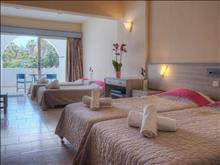 Lomeniz Blue Hotel: Family Room GV