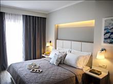 Olympic Star Hotel: Quadruple Room