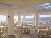 Peninsula Resort & Spa : Pool Bar