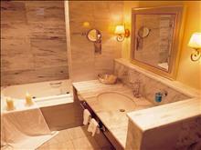 Pleiades Luxurious Villas: Villa 3 Brooms Bathroom