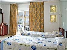 Chronis Hotel